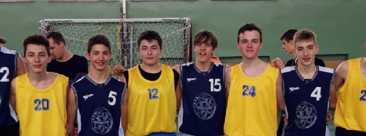 Foto di gruppo squadra basket